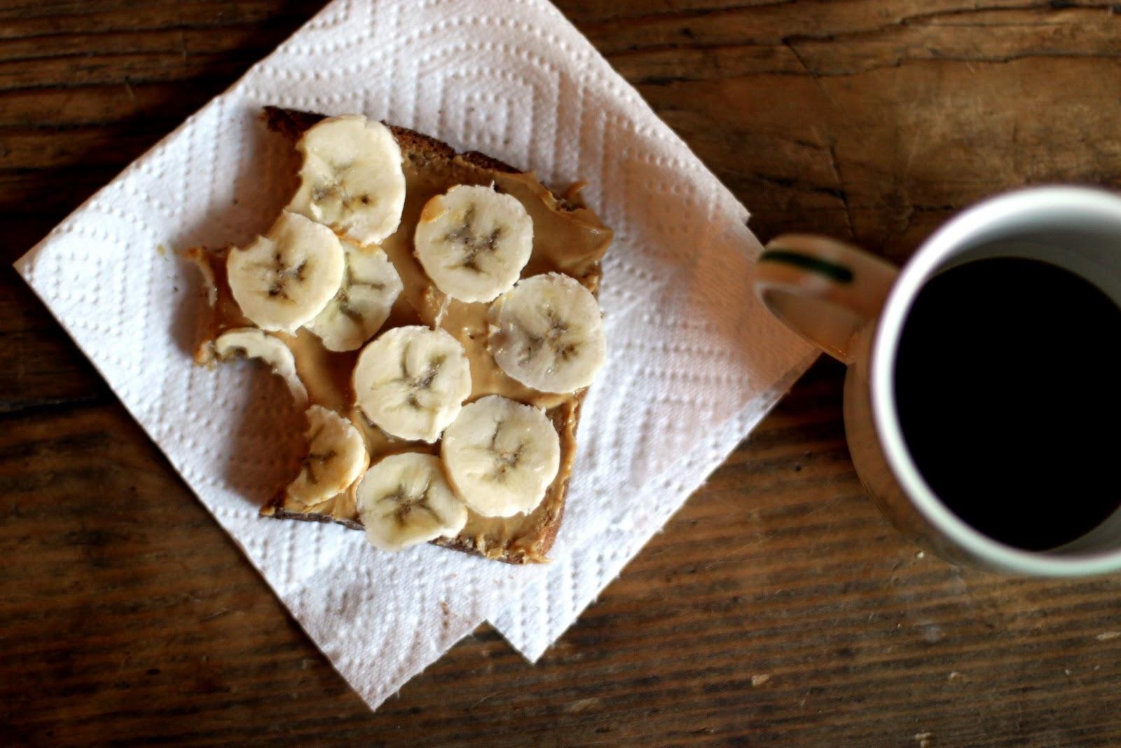 Peanut butter and banana sandwich_PC literallyspoonful.blogspot.com