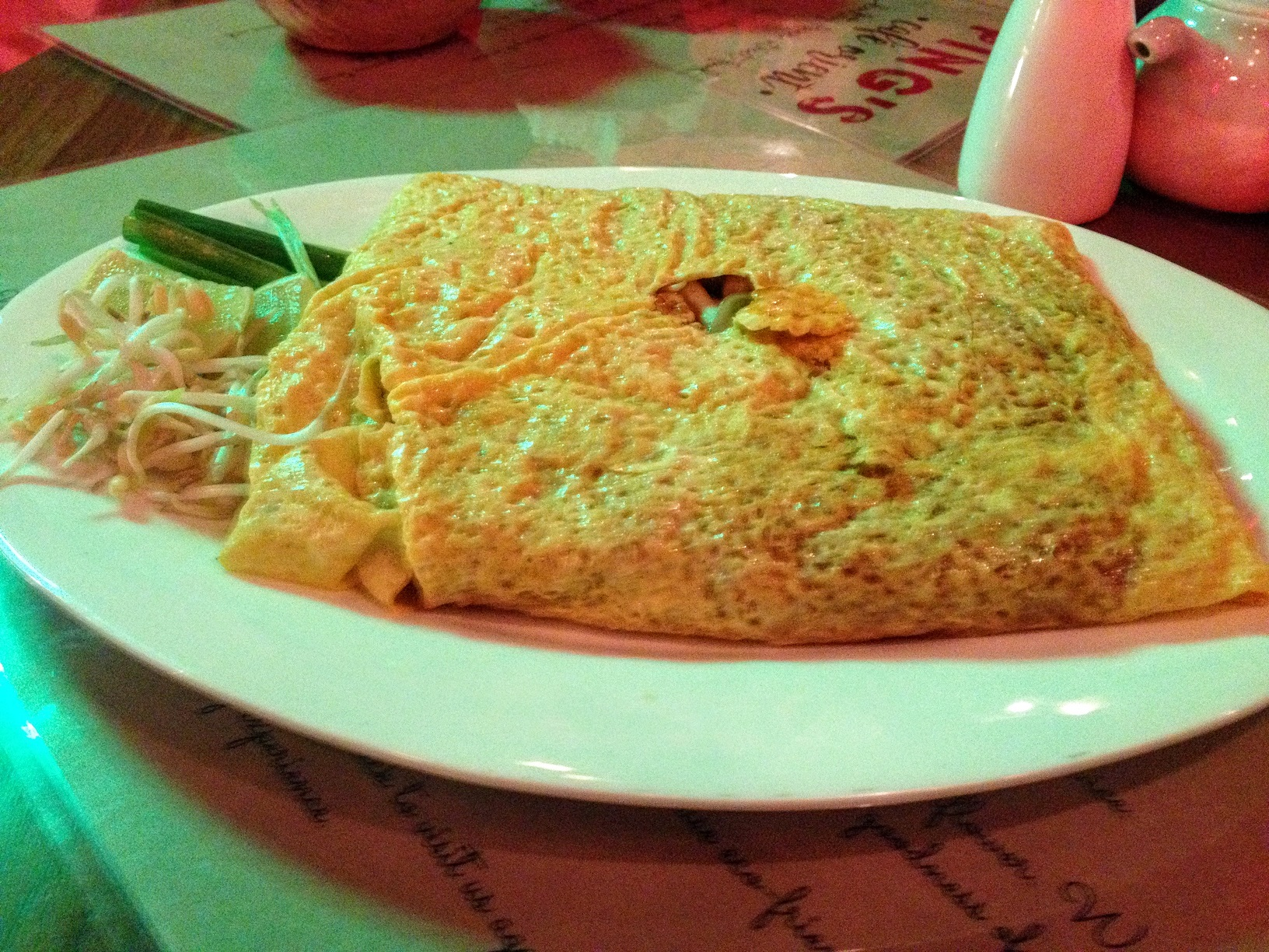 Omlette wrapped Pad Thai ds